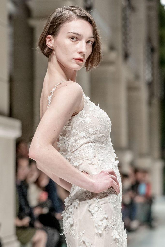 свадебные прически на короткие волосы каре русые волосы пушистые