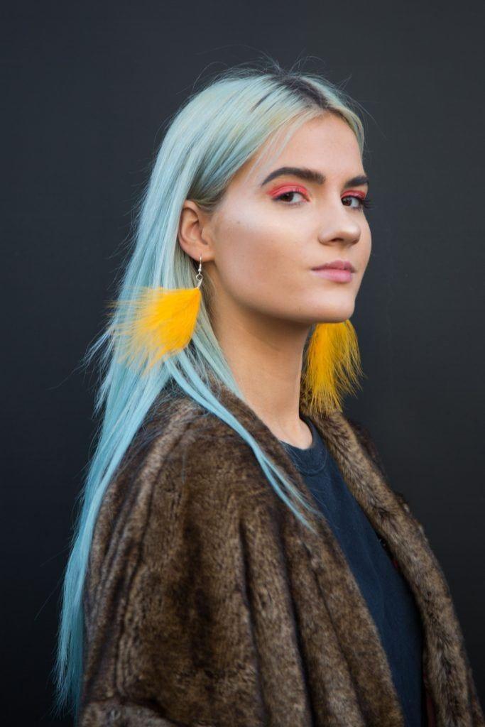 яркий цвет волос голубые волосы длинные