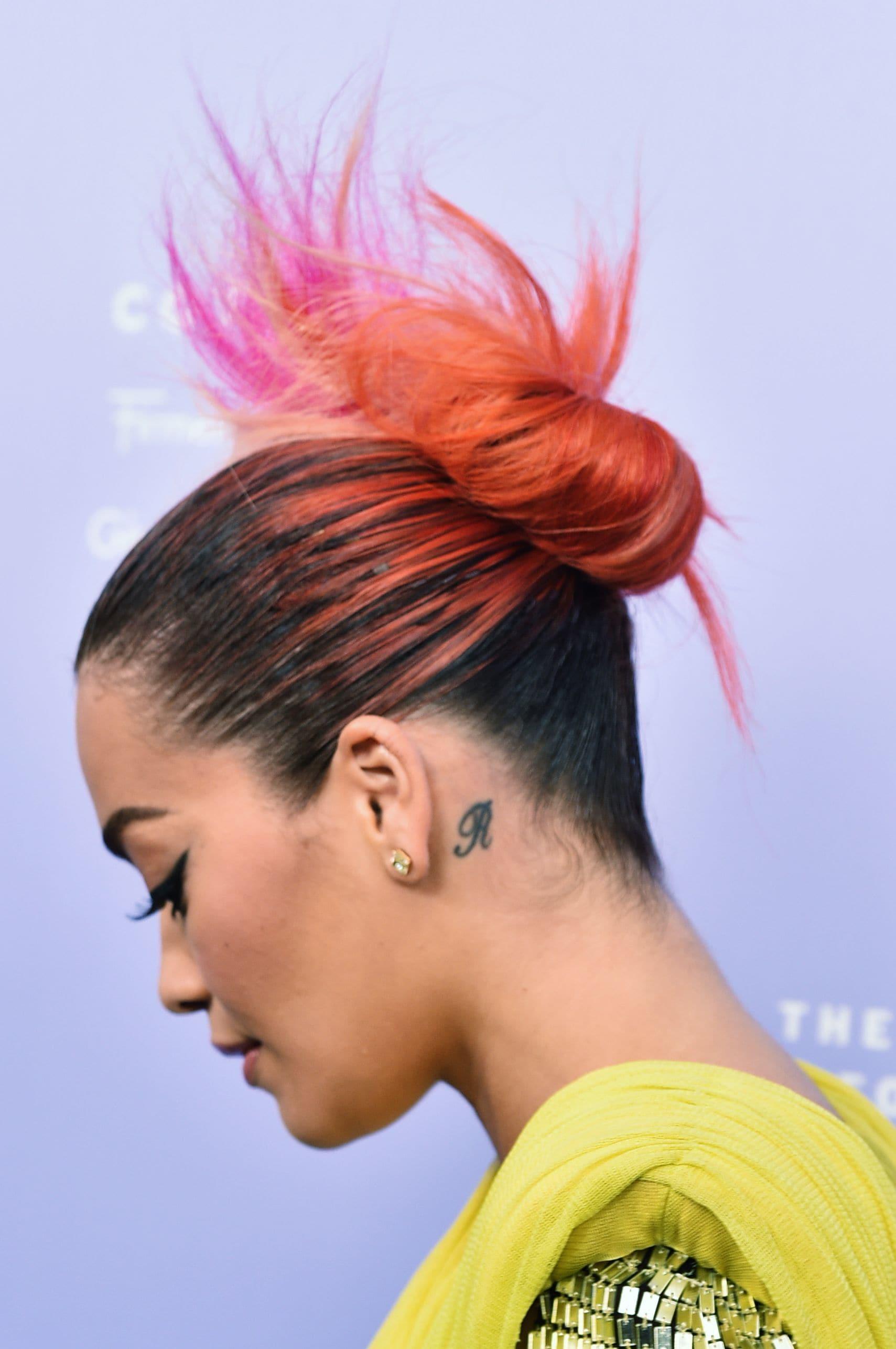 ко-вошинг пучок омбре оранжевые розовые волосы
