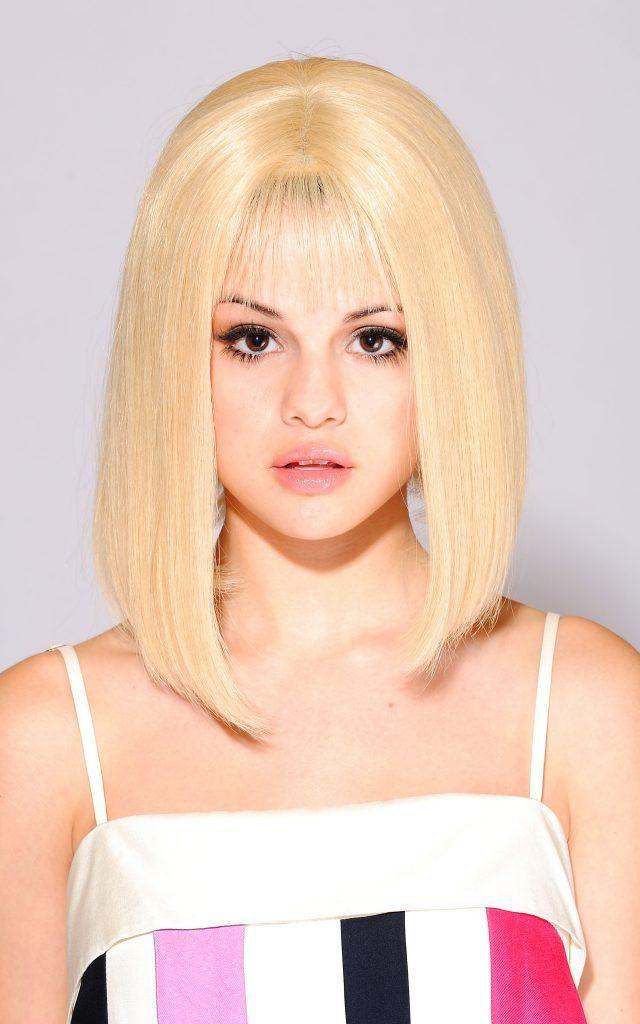 каре челка блонд