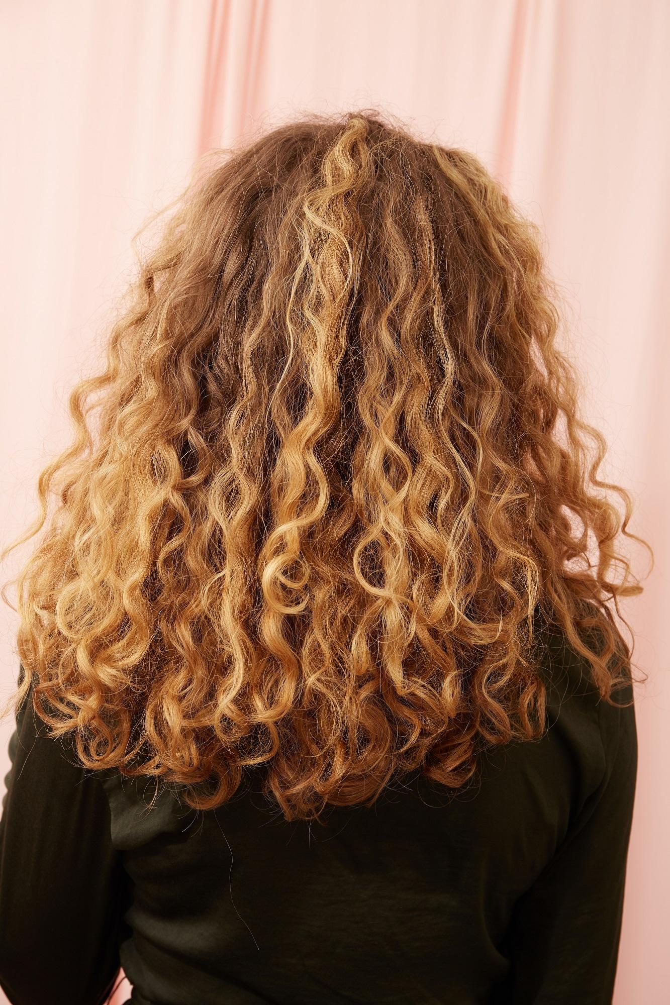 как укладывать кудрявые волосы Как уложить волнистые волосы