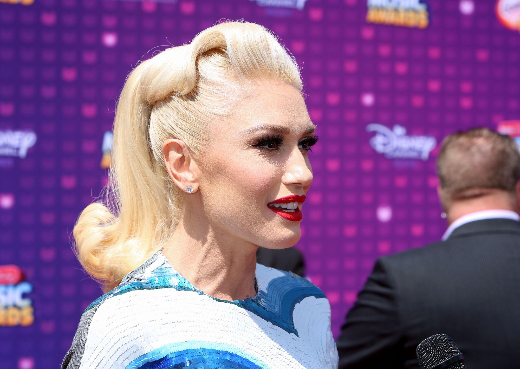 кому идет блонд платиновый блонд волна