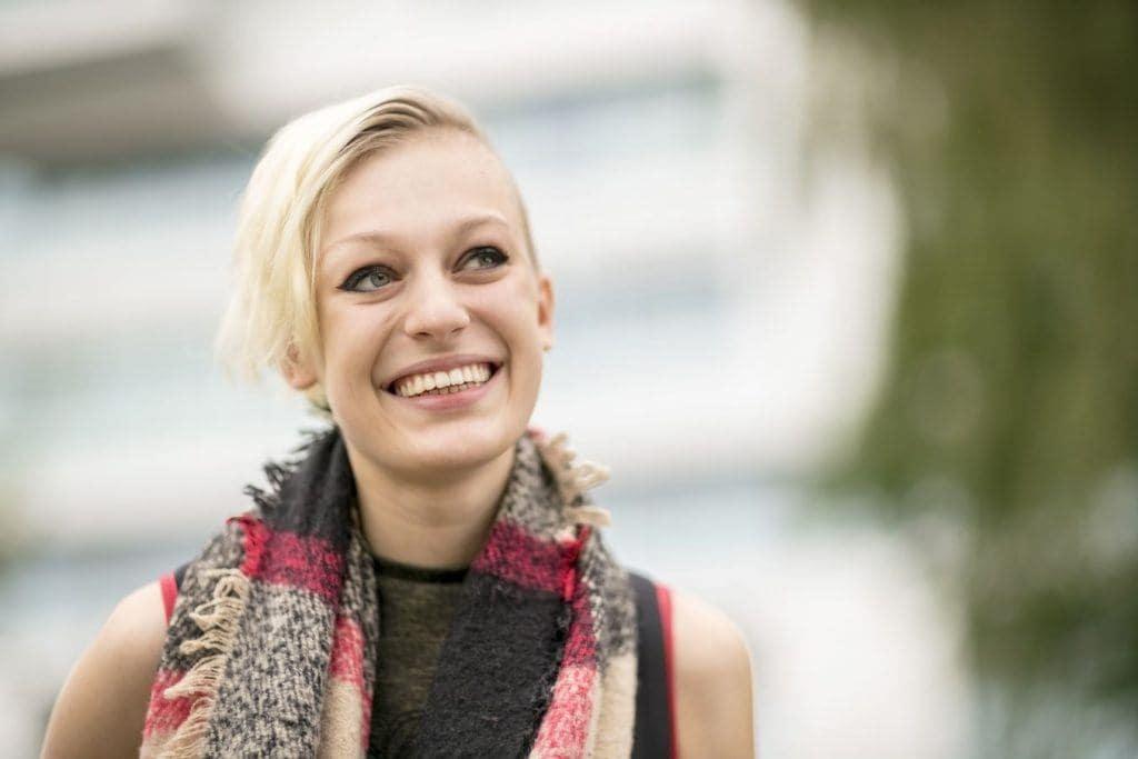 женские стрижки названия блонд короткая прическа асимметрия
