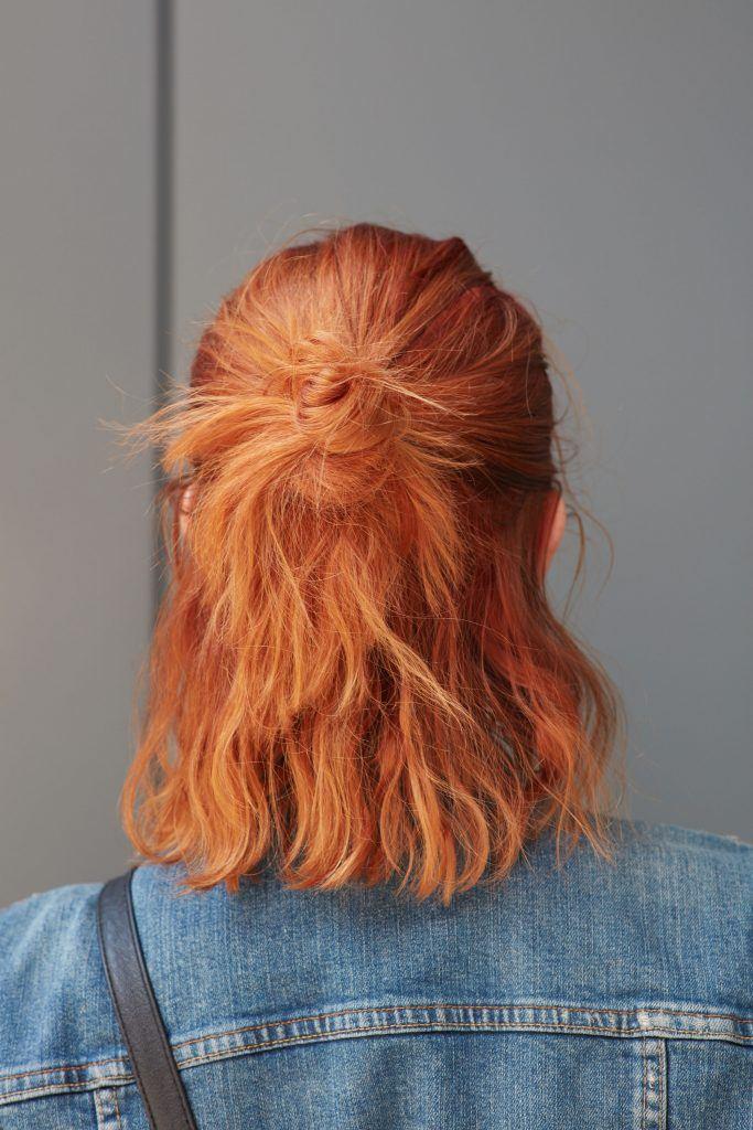 рыжие волосы средней длины волнистые мальвинка как выбрать краску для волос