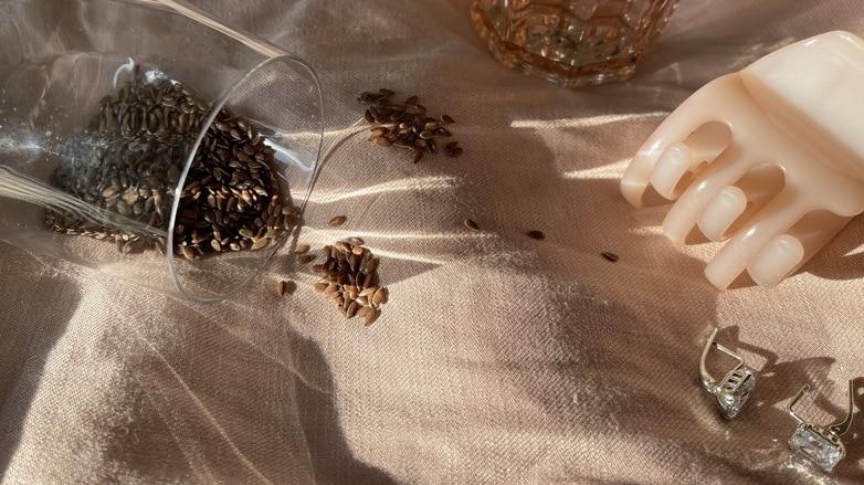 семя льна для волос