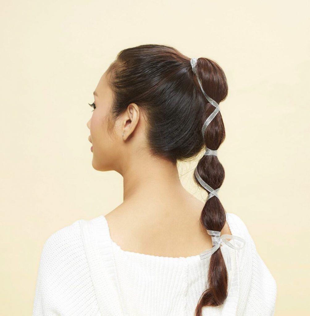 длинные темные волосы хвост из резинок прическа фонарики