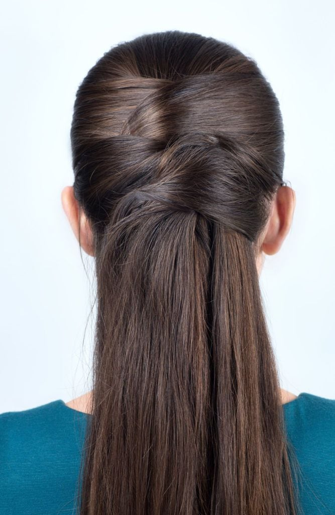 simple half-up hairstyle with pins, tutorial step by step. Hairstyle for long hair. Hairstyle tutorial. Pinned half updo