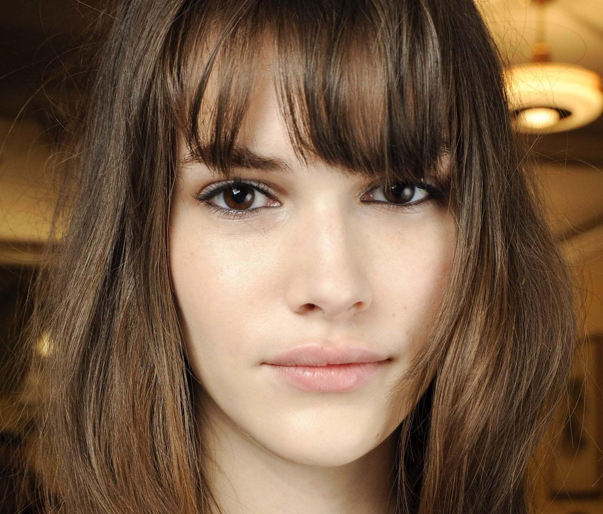 How To Choose The Right Types Of Bangs For Your Face Shape