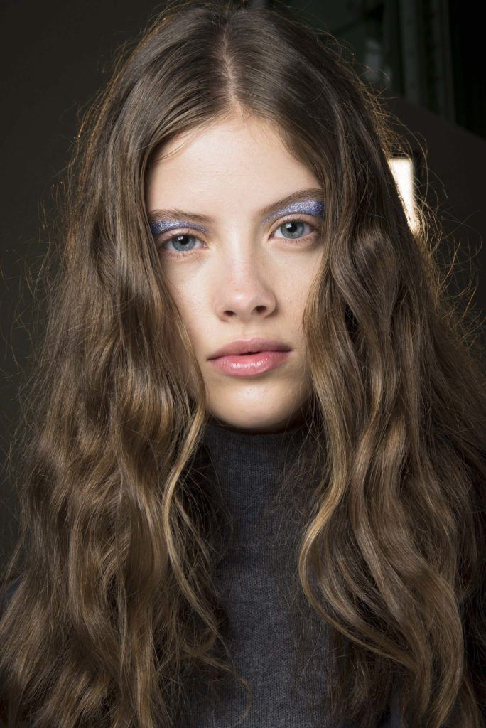 Here's a list of our favorite hair saving tips for dry hair