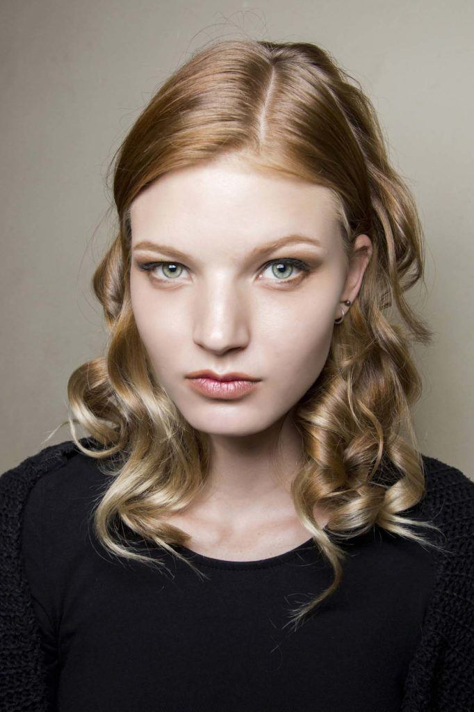 how-to-curl-medium-length-hair-basic-curls