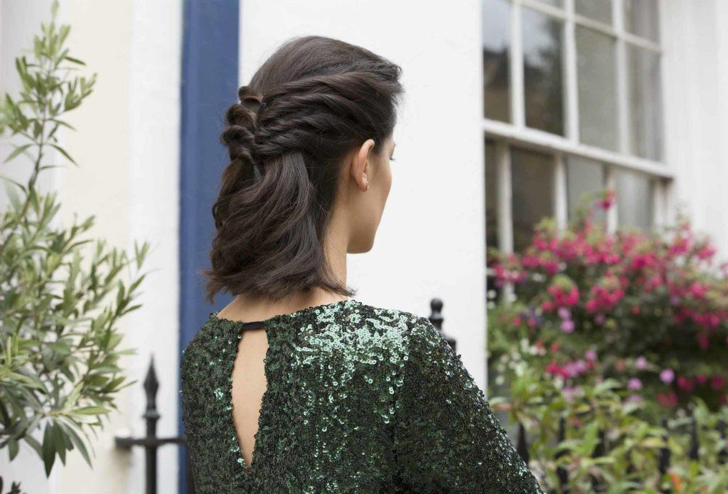 bridesmaid-hairstyle-twisted-half-up