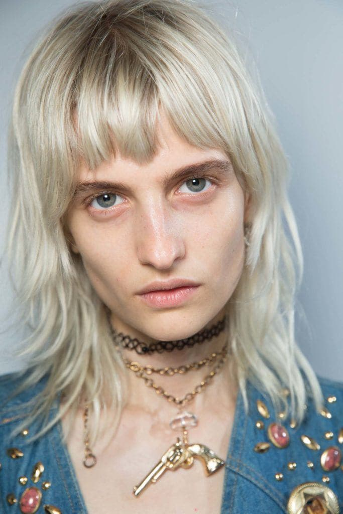 how to pull off short bangs