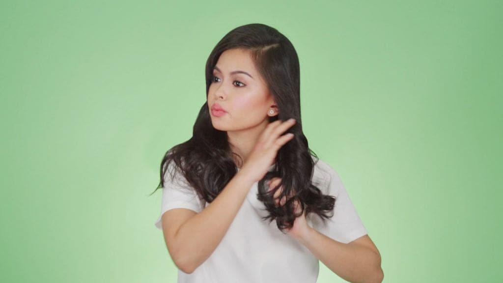 Anna Victorino side-swept hairstye tutorial step 4