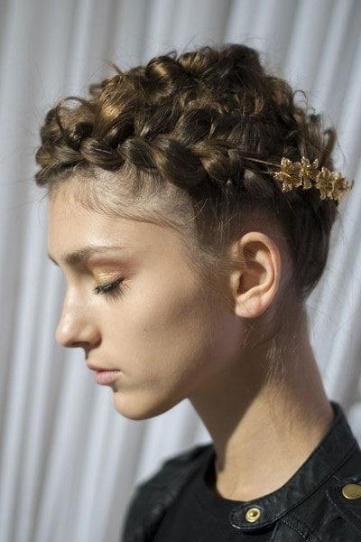 messy crown hair