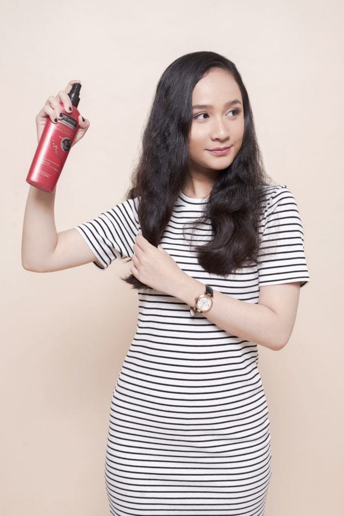 How to use a flat iron – Step 3