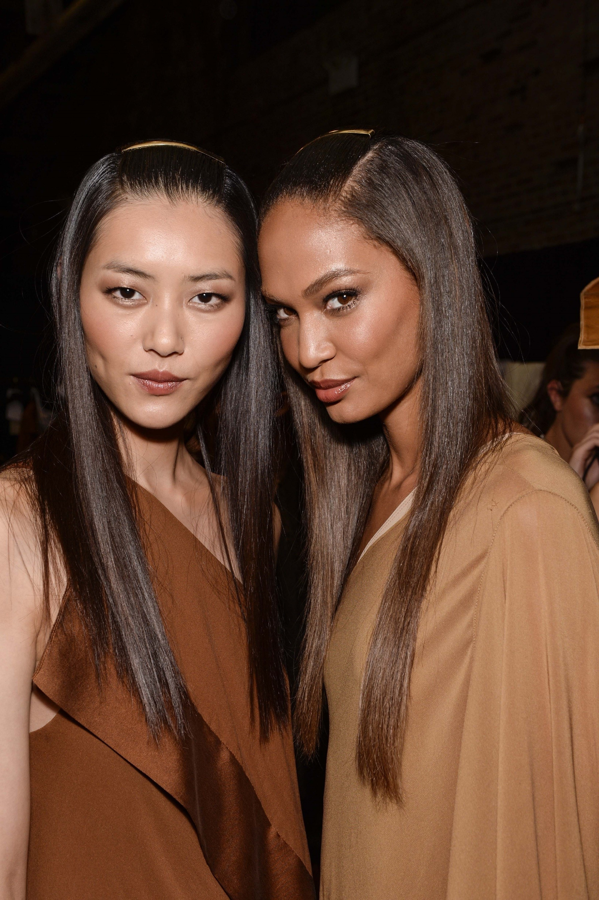 Sleek and straight Japanese hairstyles