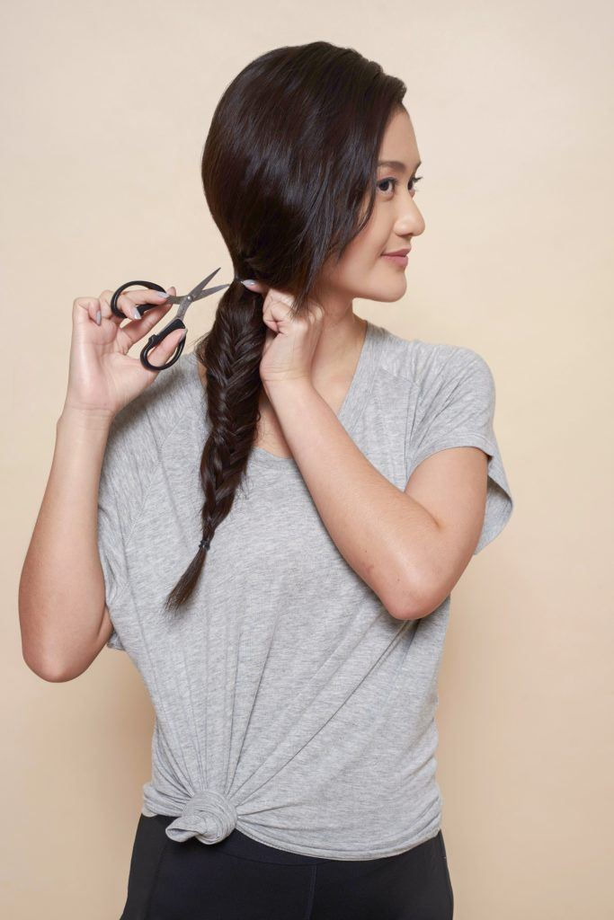 How to make a fishtail braid step 5: Cut the ponytail elastic