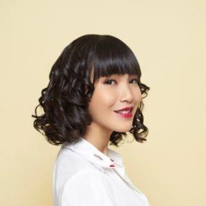 Best Medium Hairstyles & Haircuts in 2020 | All Things ...