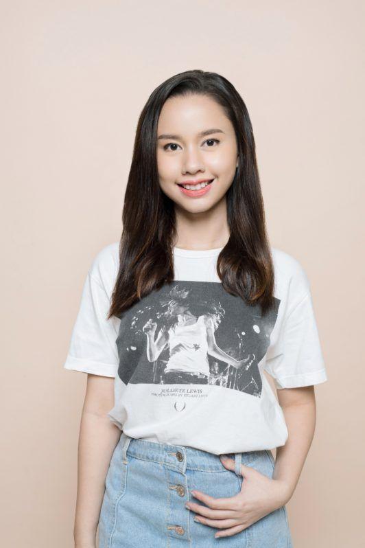 Headband braid 1: Asian girl with long soft hair