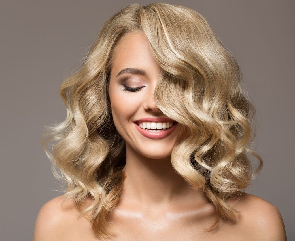 Curly Blonde Hair Pegs To Inspire You