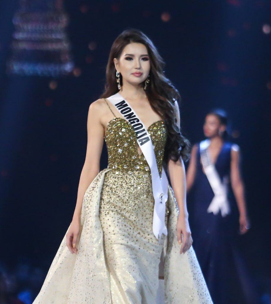 The 8 Best Hairstyles Of Miss Universe 2018 All Things Hair Ph