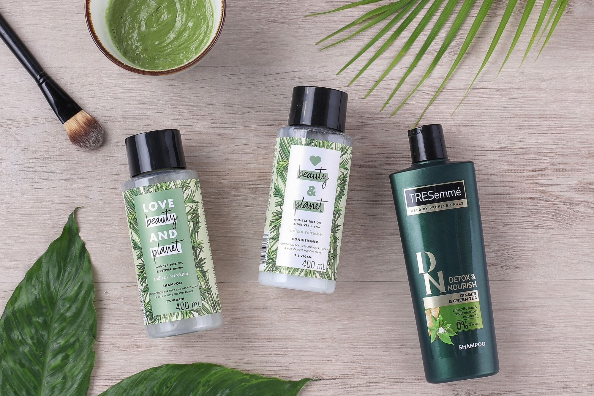 How to protect hair from pollution: Flatlay of shampoo and conditioner