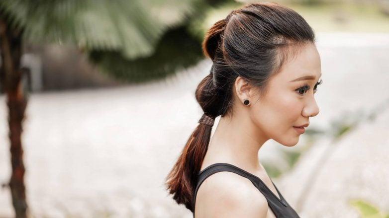 Low-bubble-ponytail-feature-image-natasha-estelle-782x439.jpg