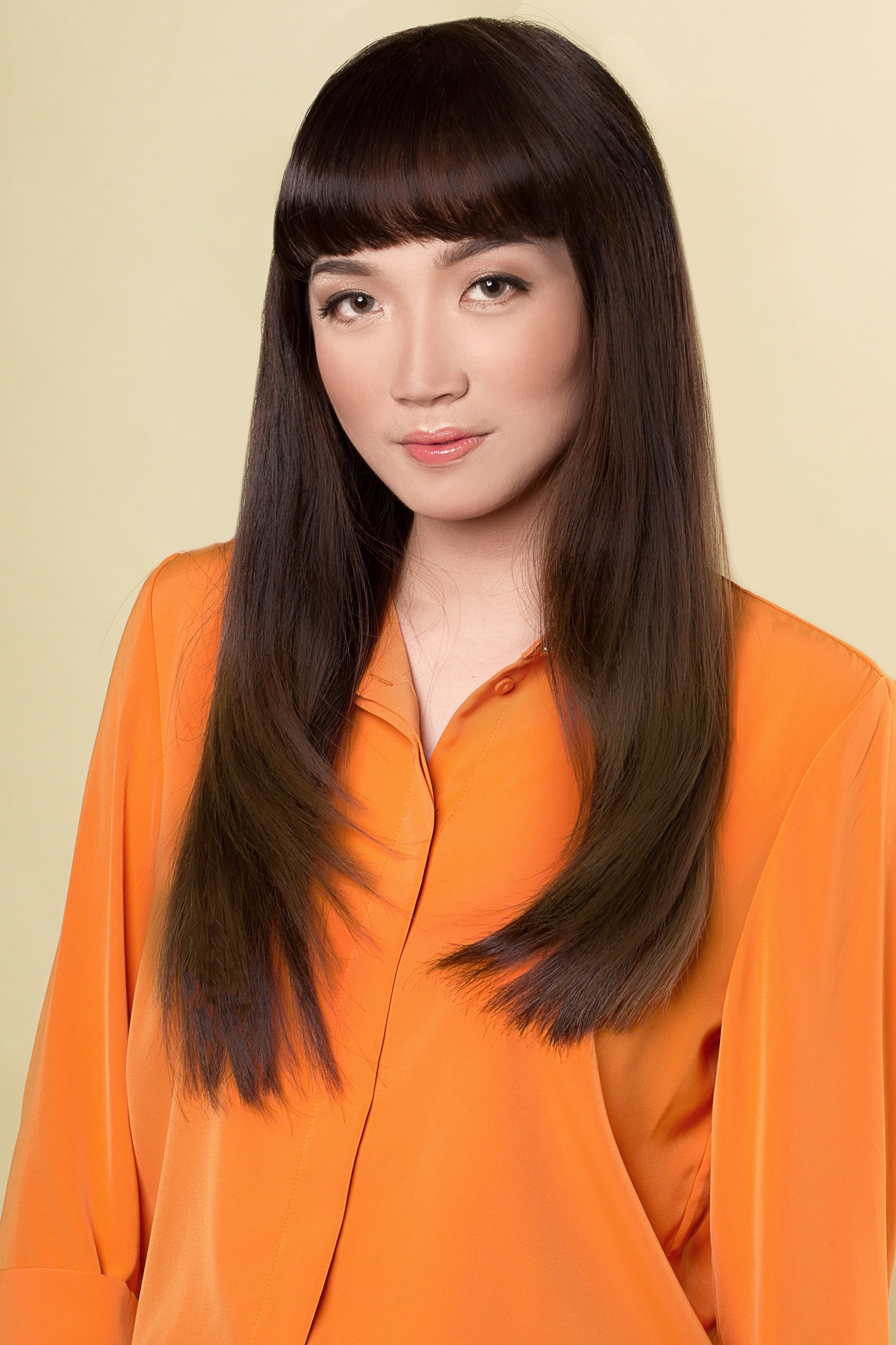 Straight hair ideas: Asian woman with long hair with bangs