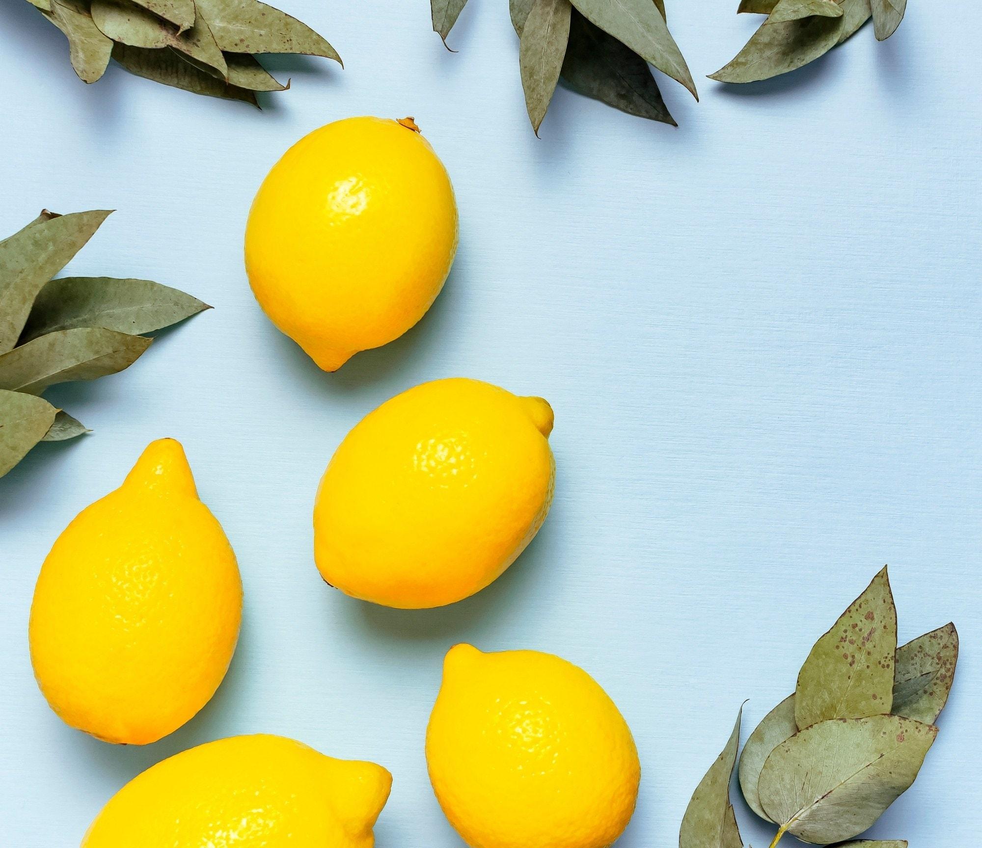 Natural dandruff remedies: lemons