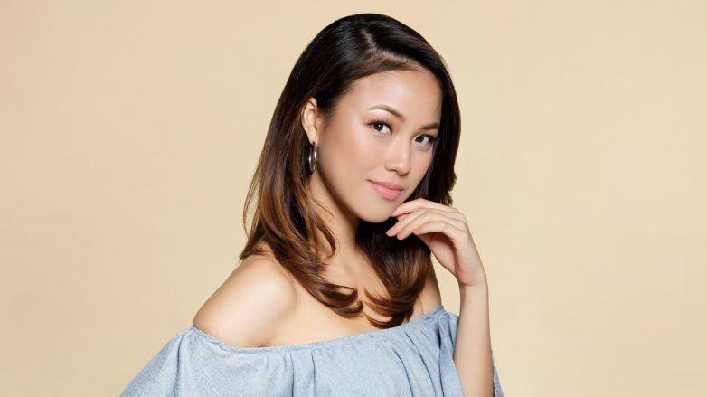 Cellophane hair treatment: Asian woman with brown hair