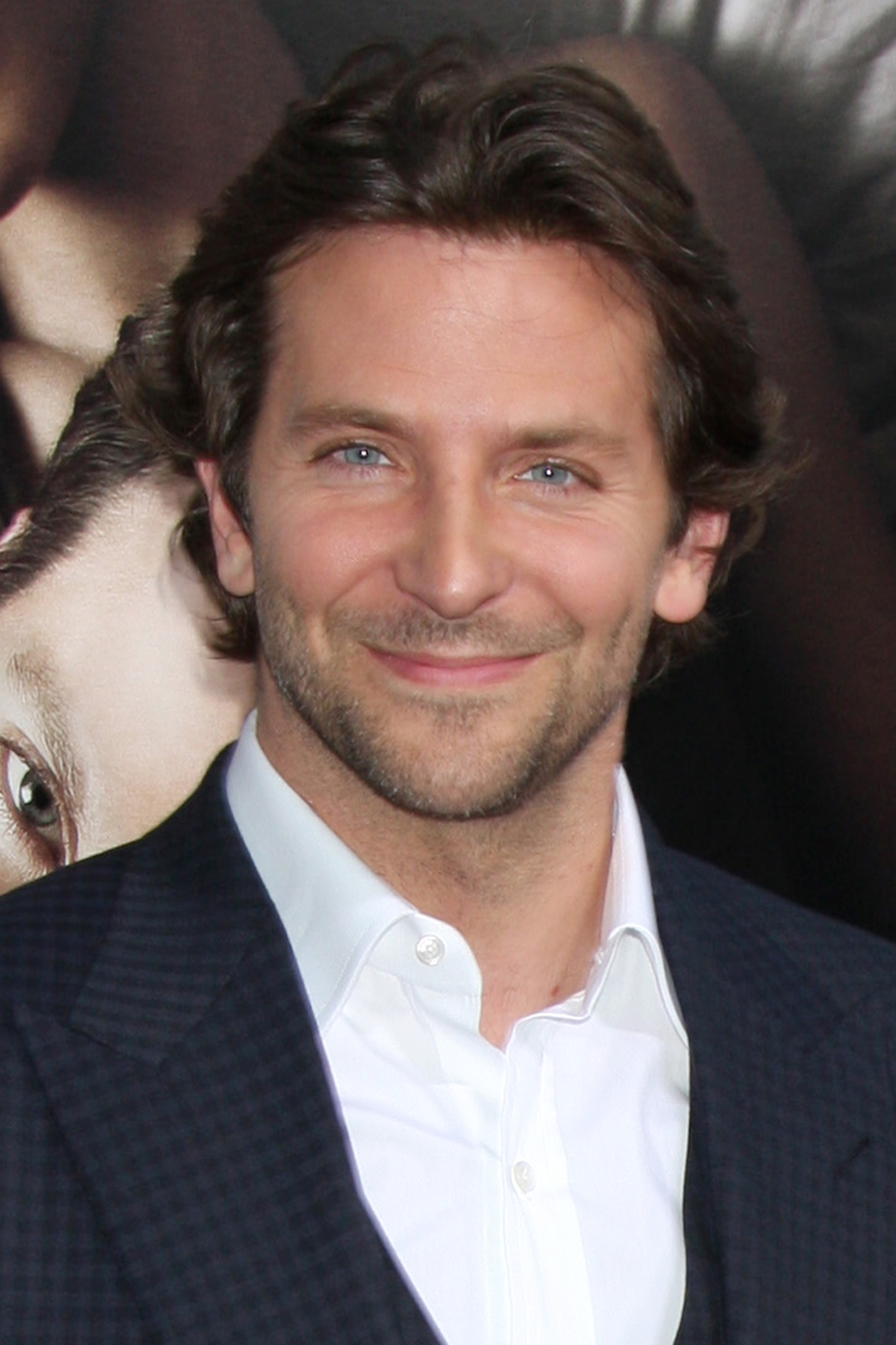 ทรงผมแสกกลางชาย แบบ แบรดลีย์ คูเปอร์ (Bradley Cooper)
