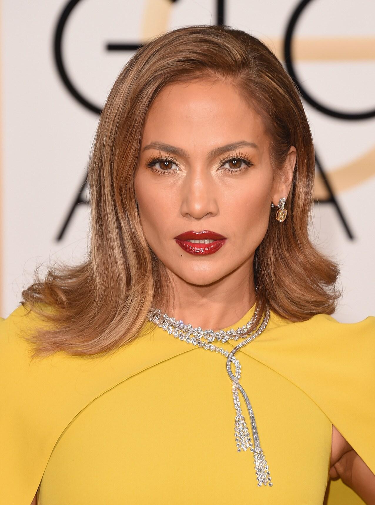 ผมสีบลอนด์เข้ม Jennifer Lopez