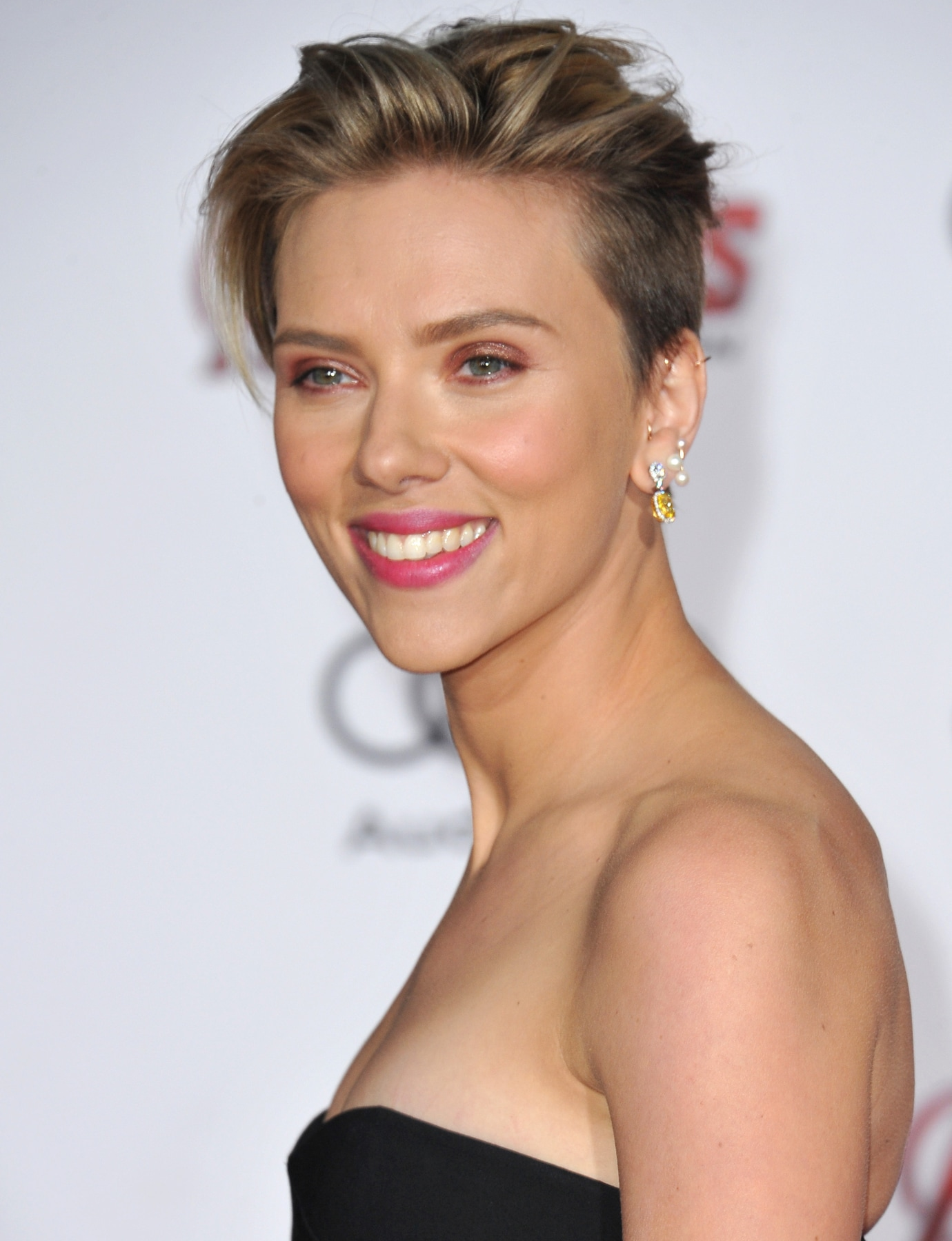 อันเดอร์คัตผู้หญิง Scarlett Johansson