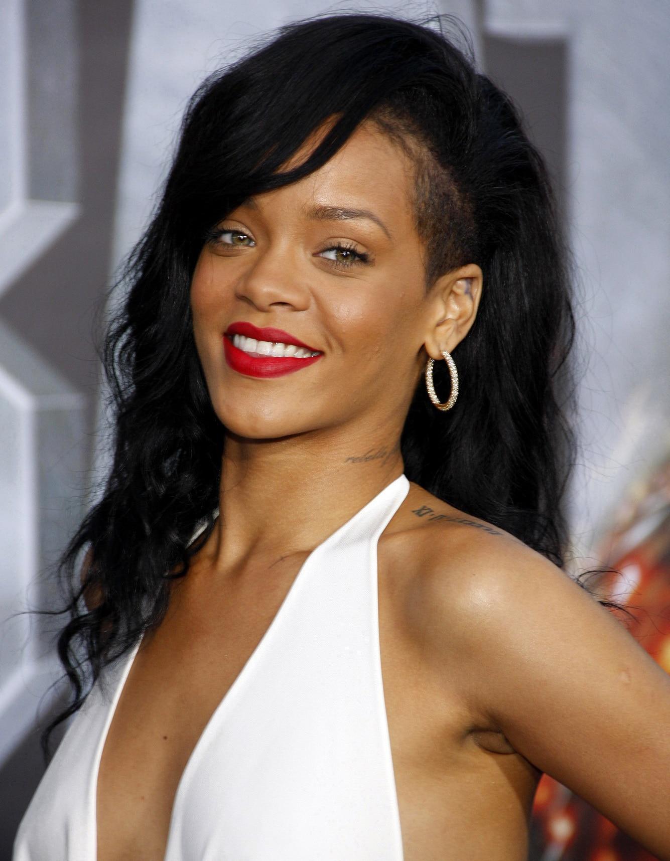 อันเดอร์คัตผู้หญิง Rihanna