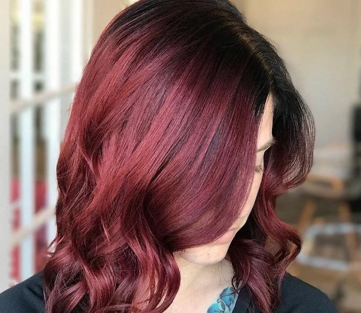 สีผมแดงประกายม่วง