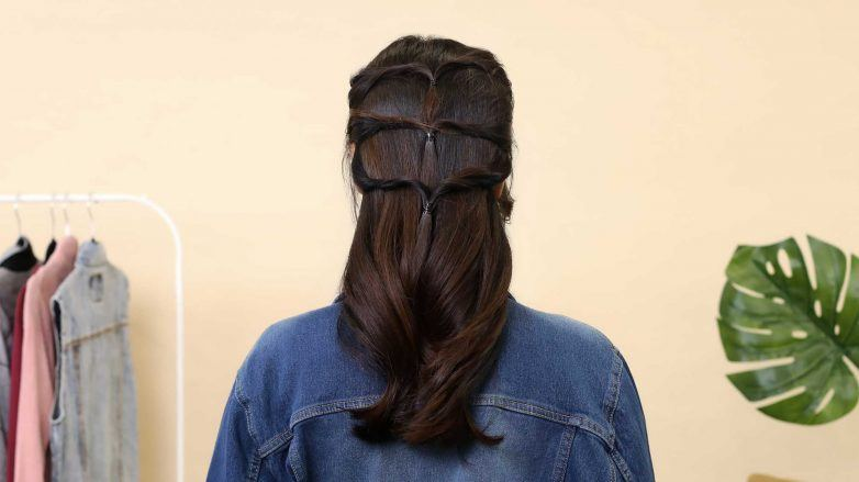 Twisted-Knot-for-Long-Hair-ATH-12-APR-2538-782x439.jpg