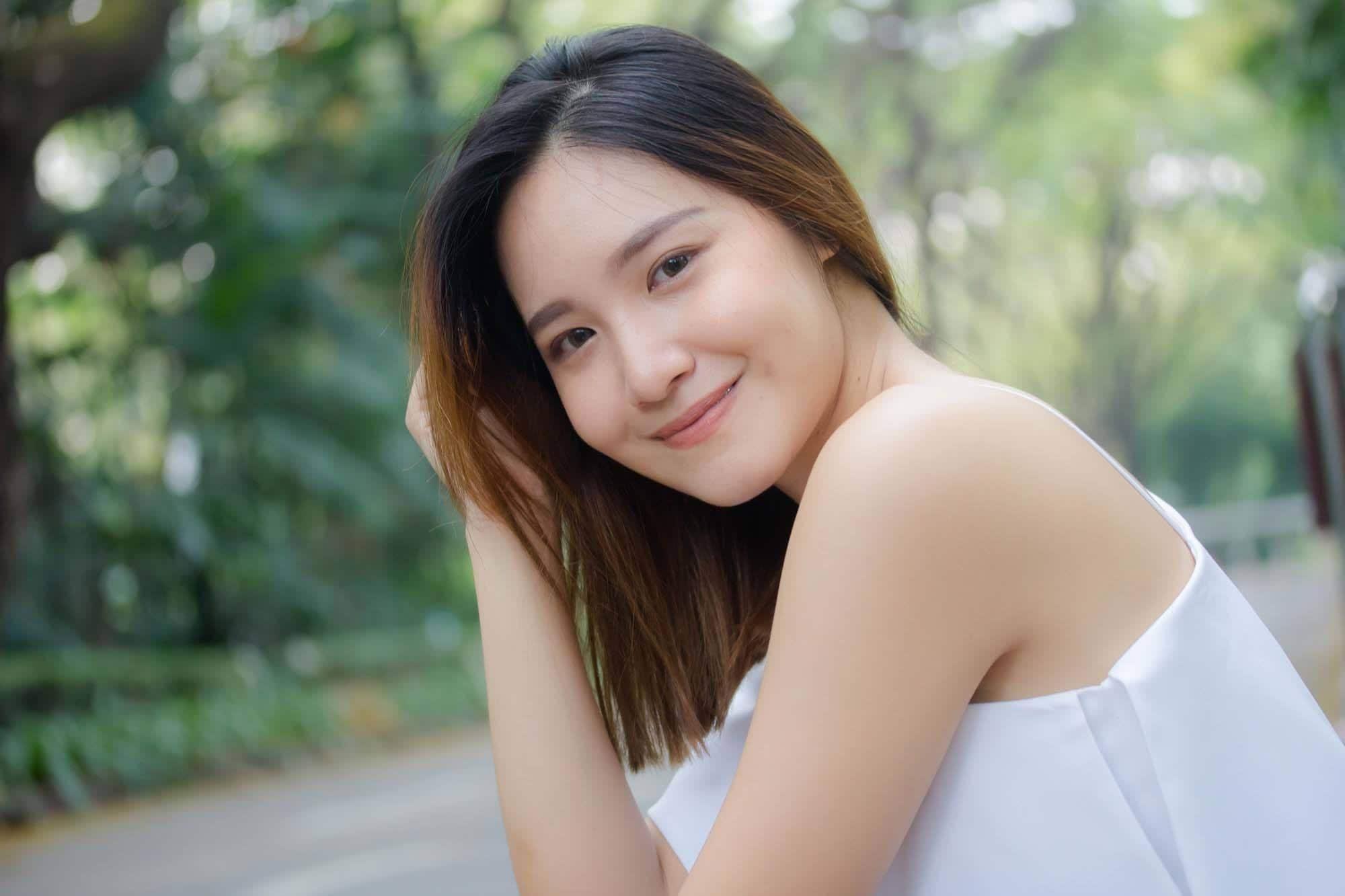 ผู้หญิงเอเชีย ผมบ๊อบยาว